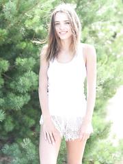 Teen Outdoor Nude