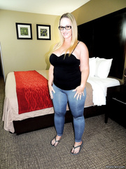 Wife Shared at Hotel - Dee Siren - HQ
