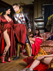Queen Of Thrones: Part 3 (A XXX Parody) Brazzers - Ayda Swinger, Romi Rain - HQ