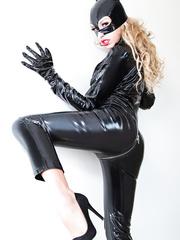 Catwoman XXX Porn Cosplay Pics - Carmen Caliente - HQ