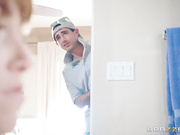 Brazzers - Sexy hot Mom Alana Rains Fucked In a Bathroom with her neighbor HD [720p]